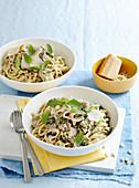 Fettucine mit Schinken und Pesto