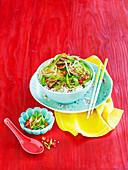 Lamm mit Gemüse und Reis (Mongolei)