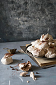 Chocolate meringues with cocoa powder