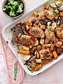 Hähnchen mit Gemüse aus dem Ofen