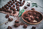 Homemade chocolate truffles with cocoa powder