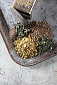 Mix-it-yourself herbs