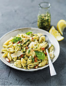 Lemon and herb pasta shells
