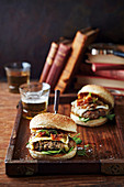 Beste-ever burgers with caramelised onion