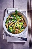Mushroom penne with green vegetables