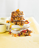 Chewy mango-cranberry granola bars