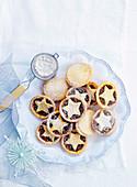 Choc-fruit mince tarts