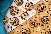 Chocolate chip cookies with bananas (top view)