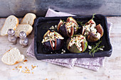 Oriental baked figs with goat's cheese