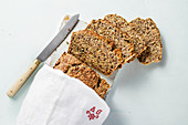 Low-carb flaxseed protein bread