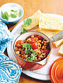 Chilli con carne with corn bread