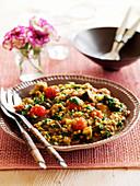 Linsencurry mit Spinat, Auberginen und Tomaten