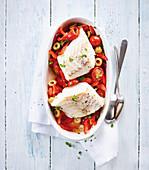 Gebackener Kabeljau mit Paprika, Tomaten und Oliven (Low Carb)