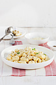 Quick potato gnocchi with cheese and black pepper