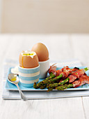 Boiled eggs with asparagus chive