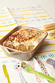 Eggless apple tiramisu for children
