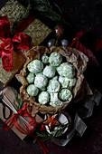 Green snowball cookies (Christmas)