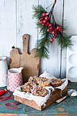 Weihnachtliche Cheesecake-Muffins mit Glühweingewürz und Streuseln