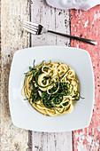 Spaghetti mit Mönchsbart und Knoblauch