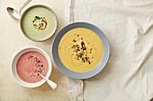 Dreierlei vegetarische Suppen: Brokkoli-, Rote-Bete- und Kürbiscremesuppe