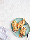 Asia-Pfannkuchen mit Pulled-Haxe (Low Carb)