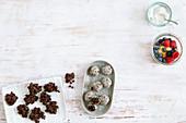 Schoko-Crossies, Apfel-Chia-Kuchen im Glas und Energy Balls (Low Carb)