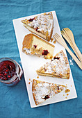 Hazelnut and lingon berry cake