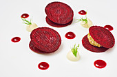 Beetroot stuffed with hummus cream
