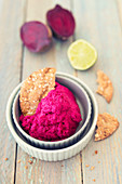 Beetroot hummus with lime served with crispbread