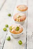 Almond muffins with kiwi berries