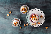 Cupcakes with vanilla buttercream, caramel sauce and caramel popcorn