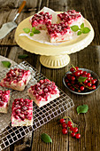 Redcurrant tray cake