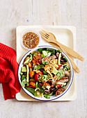Thailändischer Salat mit Rind