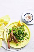 Arabische Lammspieße mit Bulgur-Bohnen-Salat