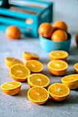 Viele Orangenhälften