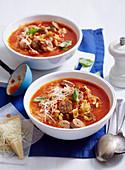 Italienische Gemüsesuppe mit Salsicce