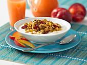 Muesli with yoghurt and fruit