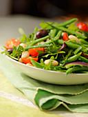 Toskanischer Bohnensalat mit Rucola und Tomaten