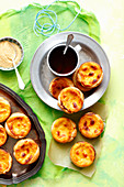 Pasteis de nata (Portuguese vanilla tartlets)
