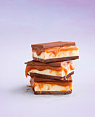 White chocolate fudge with caramel and chocolate