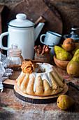 Hefekuchen mit Birnen und Zimt