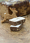 Gingerbread slices with icing