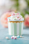 A marshmallow cupcake for a party