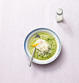 Broccoli soup with a poached egg (no carb)