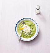 Brokkolisuppe mit pochiertem Ei (No Carb)