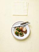 Schnitzelröllchen mit gefüllten Champignons (No Carb)