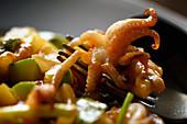 Oktopus mit Gemüse