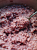 Red wine risotto (close-up)