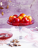 Pochierte Pfirsiche zu Weihnachten