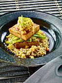 Cidre-Tofu mit Graupen und Apfel-Ingwer-Kompott